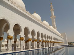 Sheikh Zayed Grand Mosque - Abu Dhabi, UAE (hellimli) Tags: water pool architecture arch minaret uae mosque emirates abudhabi waterfeature unitedarabemirates camii minare moschee sheikhzayedgrandmosque