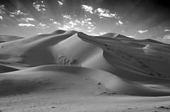 Meanders sand (SAUD ALRSHIAD) Tags: camera old sky white black nature landscape photography photo sand nikon flickr desert kingdom arabic saudi arabia whit riyadh ksa saud saudia 2011 السعودية الرياض سماء صحراء desret قديم سعود landscab kingdoom flickraward d7000 الرشيد nikonflickraward nikond7000 alrshiad msawr سعودالرشيد saudarshiad saudalrshiad دي7000 نيكوندي7000 سعودحمودالرشيد