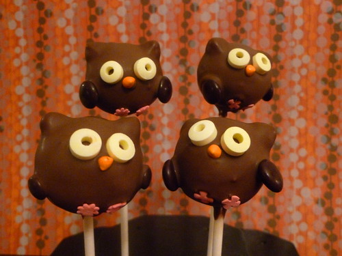Chocolate Owl Cake Pop