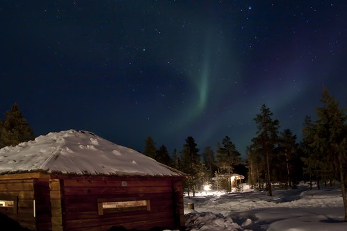 Reindeer Lodge & northern lights