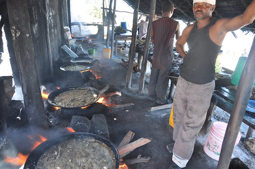 Fish fryer on Bagamoyo beach