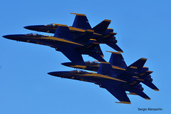 SRM571008112292 (photoman576097) Tags: sanfrancisco california ca airplane fighter aircraft jet blueangels usnavy usn formationflying fa18a diamondformation navydemoteam