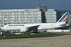 Air France Boeing - F-GSPF - 777-228/ER (Oscar von Bonsdorff) Tags: paris france canon studio kitlens airline pro boeing af 777 charlesdegaulle photographing airfrance xsi cdg canon100400 canon1855 boeing777 772 b777 canon1855mm afr canon100400l 100400l 777200 777er lfpg 777200er b772 canonef100400mmf4556lisusm 1855lens skyteam b777200 450d canon1855is 100400f4556l b777er canon100400isusm b777200er canonefl 777228er fgspf airfrans canonefs1855mmf3556is b777228er canonis100400 ln201 oscarvonbonsdorff canonf45l gettyimagesfinlandq1 msn29007 serialnumber29007ln201