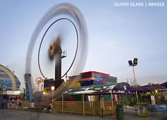 Ferris Fan (Oliver Glass Reyes) Tags: longexposure panasonic ferriswheel themepark slowshutterspeed lx5