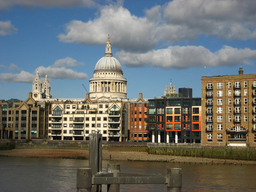 St Paul's Cathedral in the sunshine