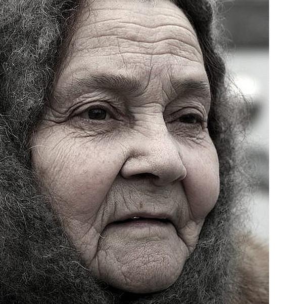 wrinkleswomancrop
