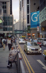 people in the city (Steve only) Tags: auto city film 50mm kodak f14 snaps ii 400 epson re v600 miranda gc ec 5014 ultramax peopleinthecity mirandad gtx820