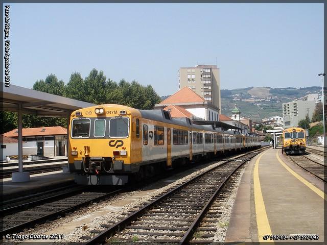 Série 592 (ex-RENFE) - Página 2 6036160389_e69a7d84eb_z