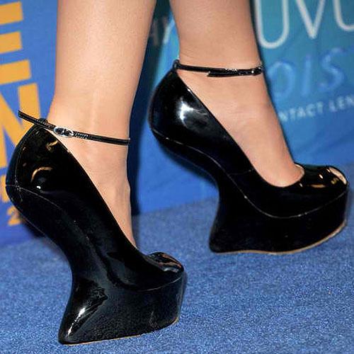 Lucy-Hale-in-heel-less-Giuseppe-Zanotti-platforms-1