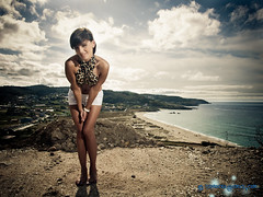Top of the world (Isidr Cea) Tags: beach girl chica playa sesion lorena cantera lore exteriores barran olympuse3 isidrocea isidroceagmailcom lorenia