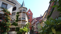 Meersburg (Deutschland, Germany, Allemagne):Fabelhaftes malerisches Dorf, auf den Borden des Bodensees. Magnificent picturesque village, on the lakesides of Constance. (Histgeo) Tags: lake germany deutschland niceshot dorf village lac bodensee picturesque allemagne constance meersburg fabelhaft malerisch ringexcellence histgeo