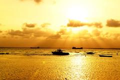 #850C1204 (Zoemies...) Tags: sea beach golden rays balikpapan melawai
