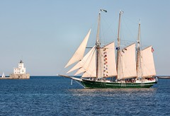 S/V Denis Sullivan (Chris Gaziano) Tags: wisconsin boat ship lakemichigan maritime milwaukee tallship sailingvessel denissullivan