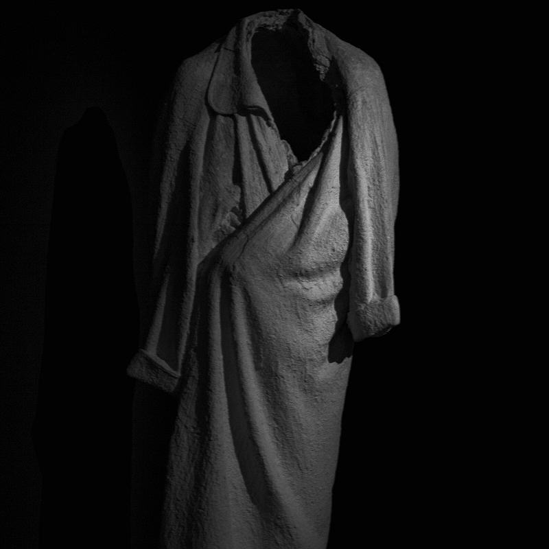 Les habits anciens d'un regard neuf