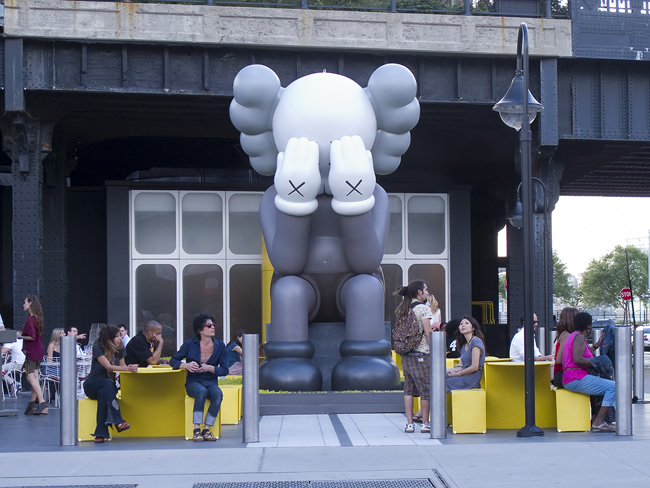 Giant Kaws, NYC