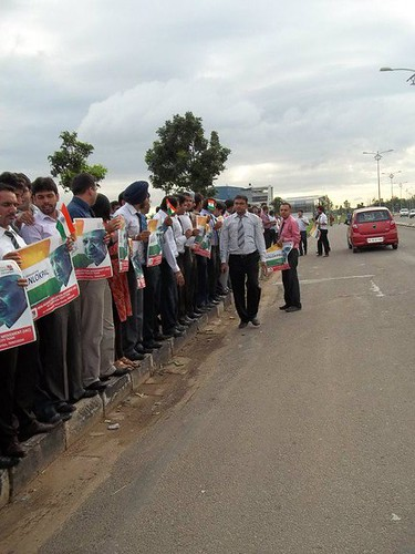 Human Chain to support jan lokpal and Annaji Hazare by Vikram Pratap Singh