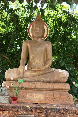 wat thmei buddha