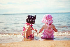Friends fill your life with joy, your soul with sunshine and your heart with love. (Kimberly Chorney) Tags: pink summer sun playing beach water fun sand babies sweet naturallight bestfriends