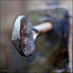 si, ma in che senso? (_esse_) Tags: door wood ancient key iron antica choices legno portone clockwise orario ferro counterclockwise 100macro chiave anticlockwise canonef100mmf28macrousm antiorario