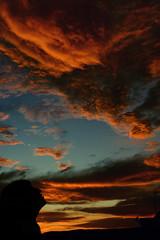 Susurros al anochecer. (IsittaMagic) Tags: blue sunset red summer sky orange black azul canon contraluz atardecer photography eos photo rojo foto song magic negro cielo verano fotografia naranja cancin veintiuno susurros 1000d isitta