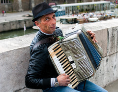 Accordian Player (noah robinson 95) Tags: paris color seine nikon accordian streetmusician accordianplayer d80 nikond80