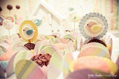 Docinhos (Little Bird Atelie) Tags: cupcakes criana festa aniversrio comemorao tema bandeirinhas passarinhos lembrancinhas casadepassarinho toopers