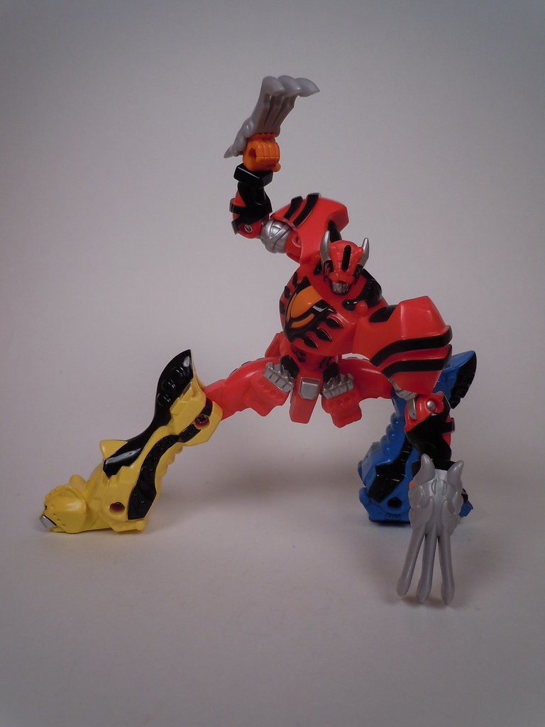 Power Rangers Jungle Fury Jungle Pride Megazord Figure Review: Power R...