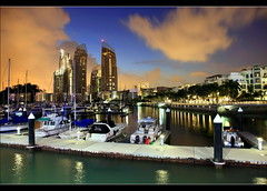 Reflections at Kepple Bay (Kenny Teo (zoompict)) Tags: bridge cruise light sunset sea sky cloud seascape reflection building tourism water beautiful architecture night marina sunrise canon wonderful lens landscape bay living boat photo yahoo google scenery ship photographer waterfront view harbour walk wave tourist best harbourfront leisure kenny luxury 七股 kepple zoompict singaporelowerpiercereservoir keppleatmarinabay