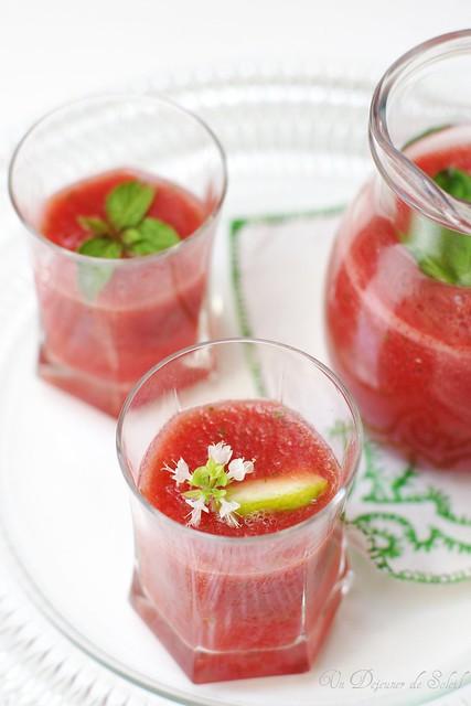 Agua fresca all'anguria, basilico e limoni di Sorrento