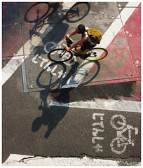 The Cyclists (It's Stefan) Tags: shadow red eye texture bike japan linhas de tokyo view bicicleta cycle ciclismo bici   gomtrie velo birdseyeview bicicletas lignes  geometria vogelperspektive luftaufnahme lneas carril linien   vistadepajaro  vistadallalto   visopanormica enplonge  avistadocell  pathbicycle  trackvista pajarobirds  kubakgrn    stefanhoechst