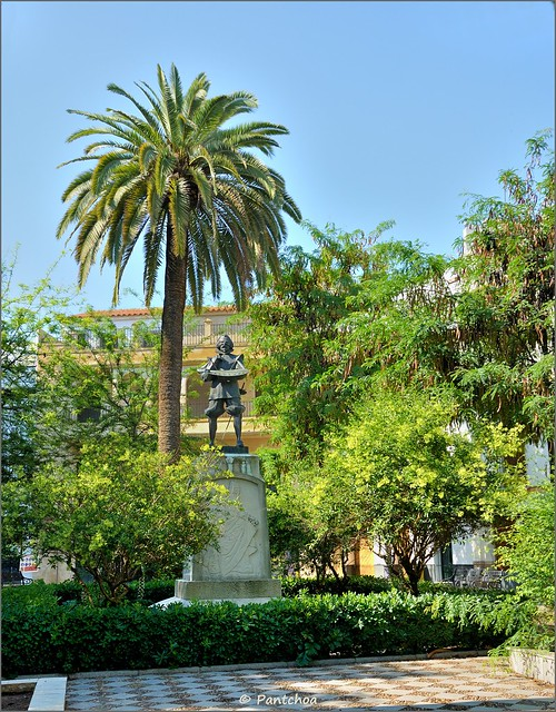 Estatua de Zurbarán en Sevilla. Foto Flick