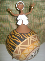 Negras Africanas em Cabaa e Biscuit (Dani Oliveira- Arte em Cabaa e Biscuit) Tags: artesanato negras africanas bicuit arteemcabaa