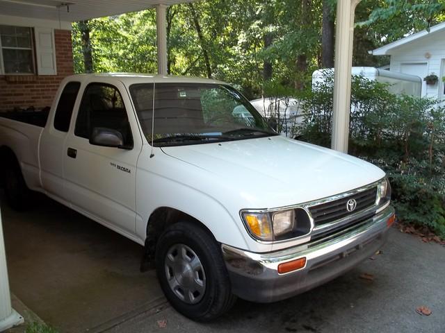 white truck paint toyota tacoma 1995
