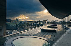 Vitruvian sunset (danielecarotenuto.co.uk) Tags: roof sunset edinburgh cloudy capital rays musem