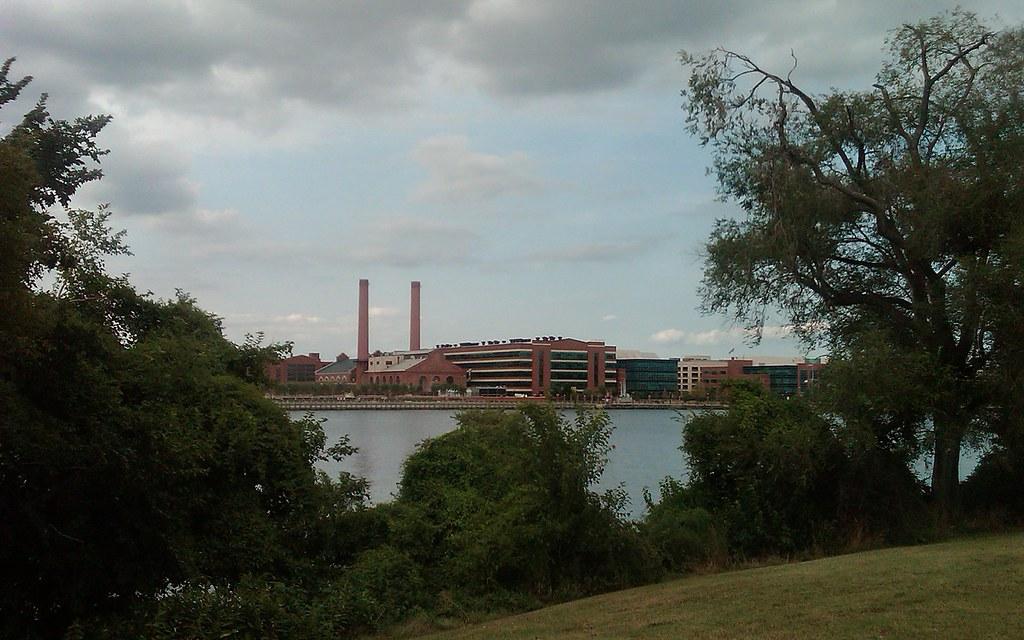 Washington Navy Yard, Anacostia Park view: Washington D.C.