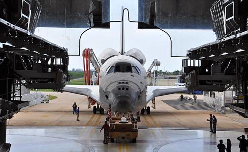 [フリー画像] 乗り物, 宇宙船, スペースシャトル, 201108272300