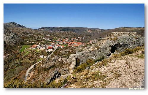 Ruínas do castelo de Castro Laboreiro #2 by VRfoto