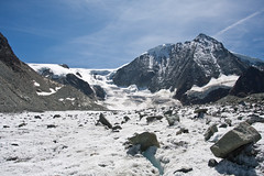 Glacier de Cheilon seen from the glacier Photo