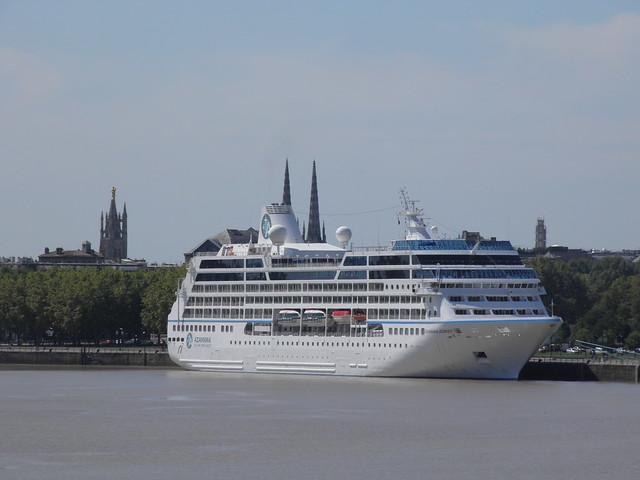 Azamara Journey dans le port de Bordeaux - P9020299