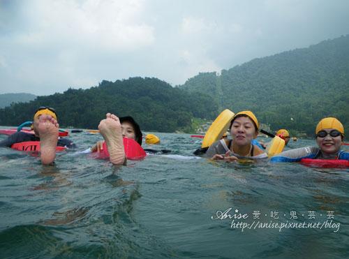 2011泳渡日月潭043.jpg