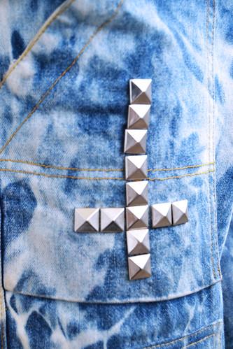 DIY studded denim shorts!