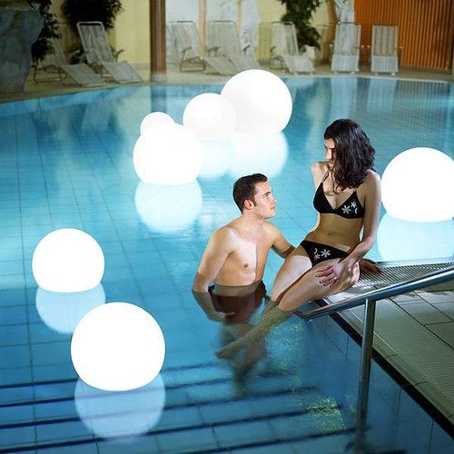 Floating Pool Lights Create A Unique Lighting Experience