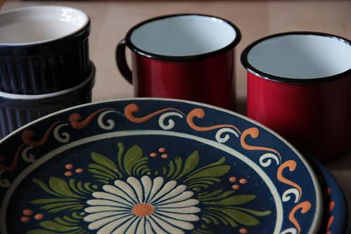 ramequins, mugs & plates