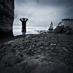 I'm Into Something Good (PetterPhoto) Tags: cliff france silhouette nikon horizon cliffs normandie nikkor tretat 1024 d300s petterphoto