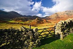 gate to nature (Dennis_F) Tags: uk autumn shadow england sky lake mountains green fall nature grass stone wall clouds zeiss landscape gate rocks little unitedkingdom district sony united herbst natur wide lakedistrict himmel wolken kingdom hills berge steine valley tor fullframe dslr landschaft lakeland ultra schatten ssm tal thelakes langdale mauer felsen 1635 uwa hgel thelakedistrict weitwinkel ultrawideangle uww a850 163528 sonyalpha sonydslr vollformat holztor zeiss1635 sal1635z cz1635 sony1635 dslra850 sonya850 sonyalpha850 alpha850 sonycz1635