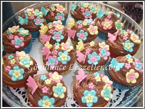 çiçek muffinler 1