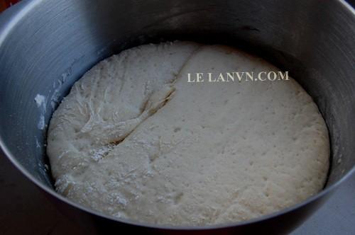 Bột bánh bao ủ lần 1