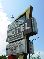 Holiday Motel - Cave City KY