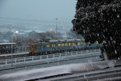 Ganz Mavag units in snow at Redwood, 14 Aug 2011 (AA654) Tags: winter newzealand snow station electric train suburban nz wellington emu redwood ganz tranzmetro mavag