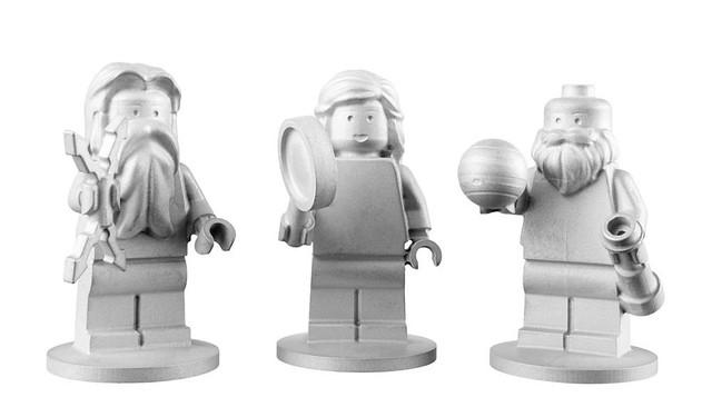 lego-aluminum-minifigs-space